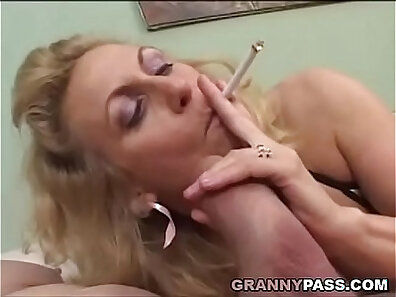 Chubby Mature Smoking Dick m/s Blowjobs