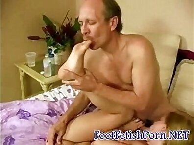 Alice in PawnLand - Belly And Footjob