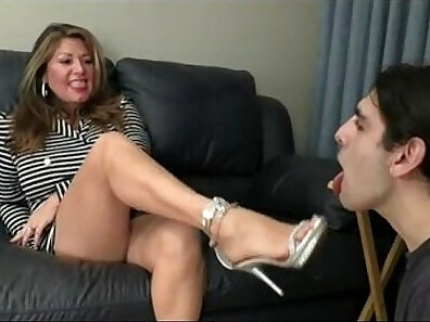 Czech Girl Fucked By Foot Zora Dobrev And The Exxxtra Small