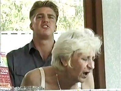 Curvy blonde granny gets slammed