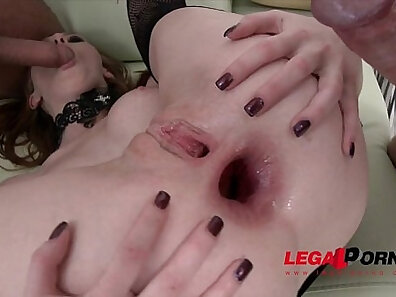 Beautiful boss Linda Sweet is especially perfect for anal sex