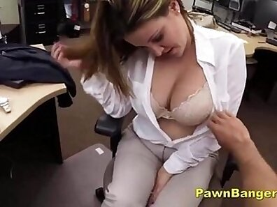 Busty cabbie pawns her pussy for cash