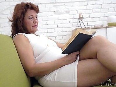 Cougar Ryoka Zen has hot lesbian sex with her stepdad