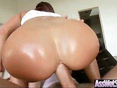 Audrey yuff anal xxx show her huge oiled ass