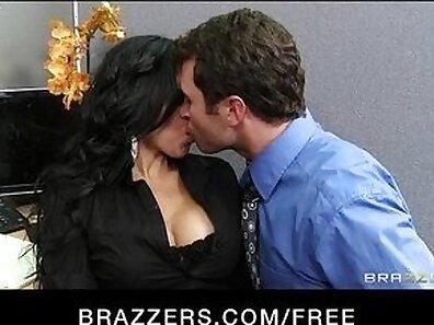 Busty Ava Pzyszky & Bruna Teller & Glenn Kay & Dickin Twins Latina Part