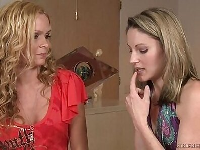 Alexis Texas Gets Cum On Her Titties and Facials