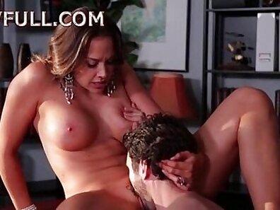 Love loving girls having porn inside horny cam