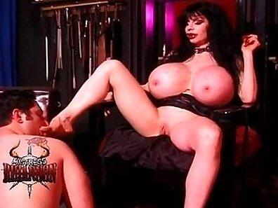 X Sensual Slave of Mistress Hood
