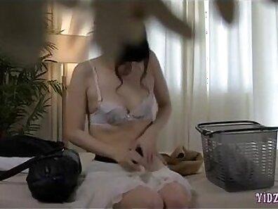 Cam; Sexy Asian Girl Fingering And Sucking Dildo