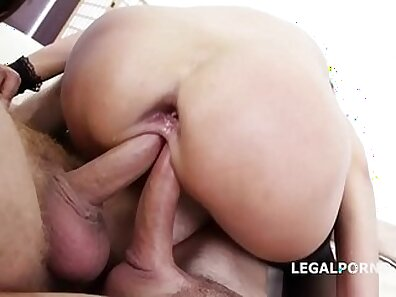 Double Anal For Cute Girl And Gets Orgasm!