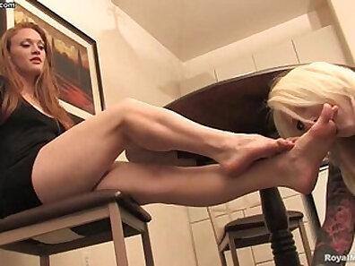 Foot fetish guy gets a hard wank from mistress