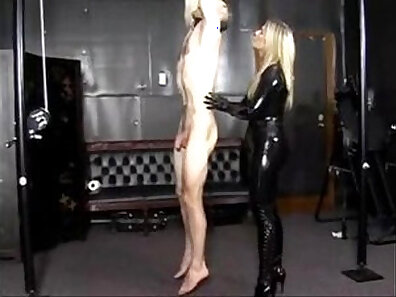 ALISON SNEAKING EXTREME IN HER LATEX CHARLOTTE SEXY