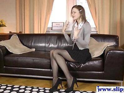 Eurobabe carla mroe fucking in her stocking