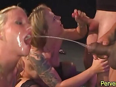 Big Boobed Angela Pissing on the Spooning