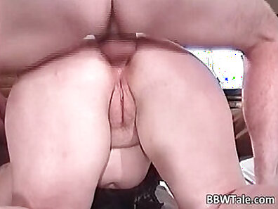 Chubby Milf Walking Private Sex Live With Friends