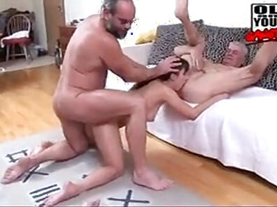lucky cam girl getting nailed by bbc gangbang