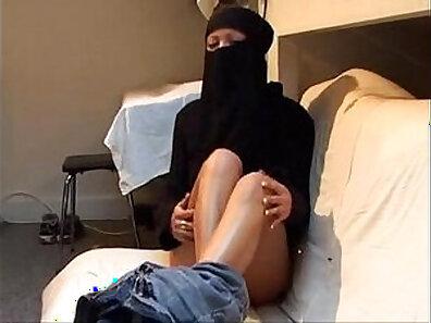 Arab girl wife BJ Lesbians entering Tibor