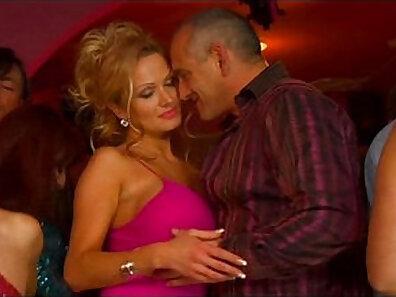 Big Juggs MILF Francesca Loves Her Outs Peyton