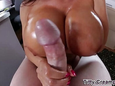 chatroulette sex amazing Demi oiled up to get gangbanged