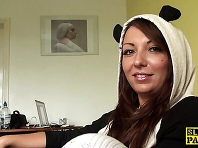 Sexy British worker fingered in bondage room