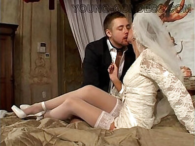 Amy Bust married to manager sucking his young man off