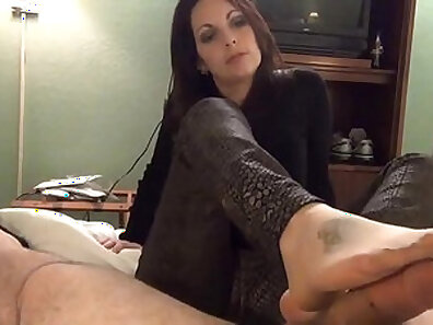 Completely Mosquito Porn Nylon Play, Foot Eating & Squirting Whore